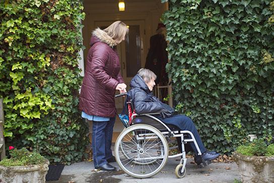Langer thuis wonen met behulp van ondersteuning van Saar aan Huis
