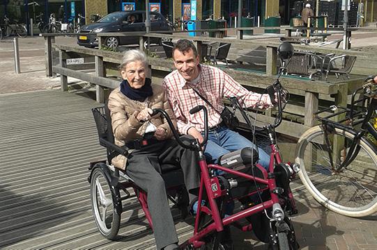 Met een Saar ga je er sneller samen op uit en genieten ouderen van leuke dagbesteding